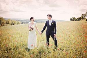 Brautpaar_in_Blumenwiese